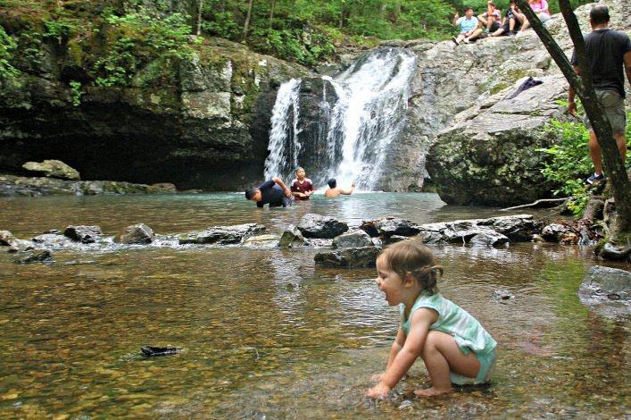 Inilah 4 Tips yang Harus Dipersiapkan sebelum Mengajak Bayi Hiking -3.jpg