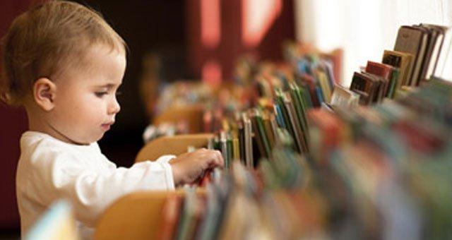 Intip 4 Cara Ini Agar Momen Membaca Buku Bersama Si Kecil Lebih Menyenangkan -1.jpg