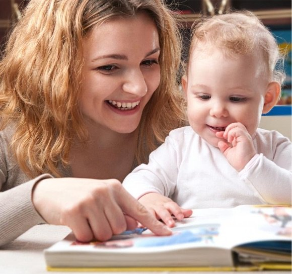 Intip 4 Cara Ini Agar Momen Membaca Buku Bersama Si Kecil Lebih Menyenangkan -4.jpg
