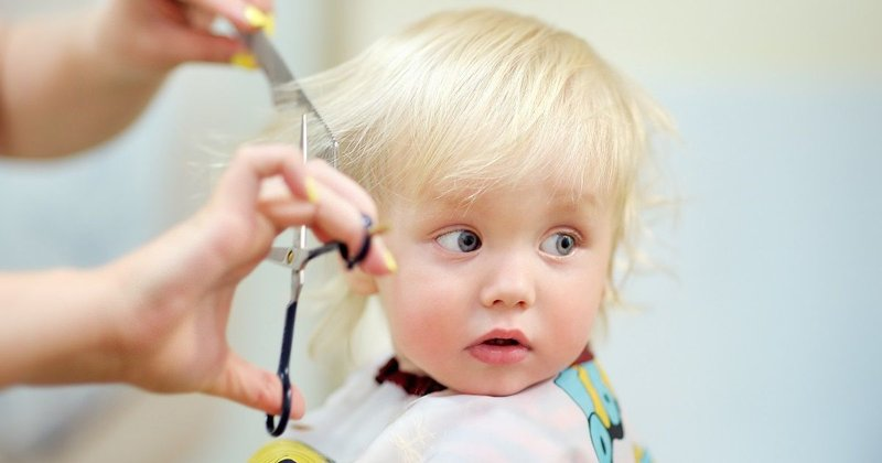 Intip Cara Memotong Sendiri Rambut Si Kecil -1.jpg
