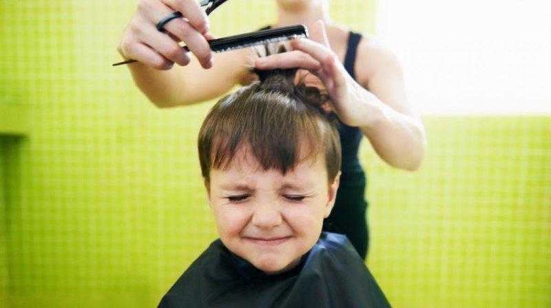 Intip Cara Memotong Sendiri Rambut Si Kecil -2.jpg