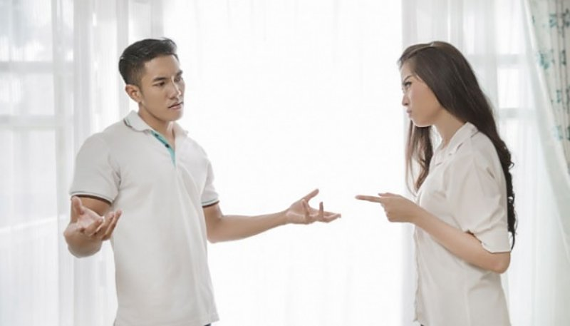 pertengkaran suami istri