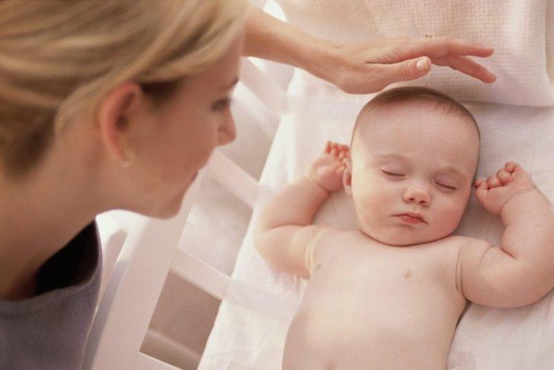 Jangan Panik Lakukan Ini Saat Bayi Kejang -2.jpg