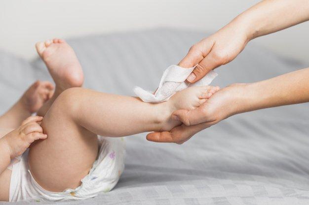 angkat kaki bayi
