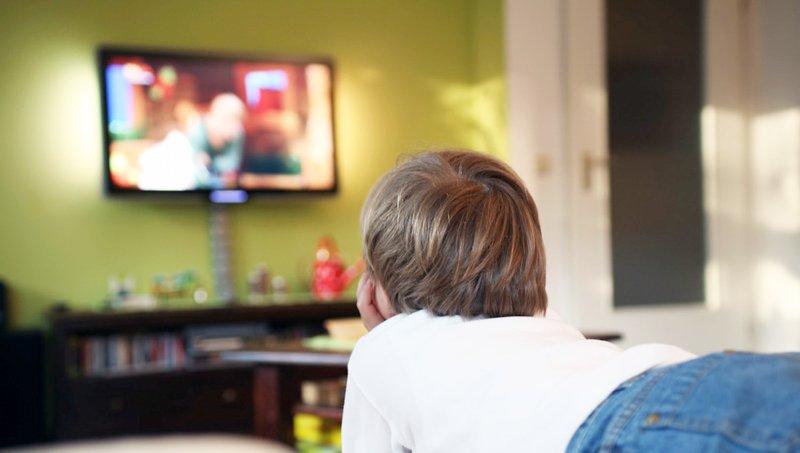 Jangan Taruh TV Di Kamar Anak, Ini Alasannya! 1.jpg