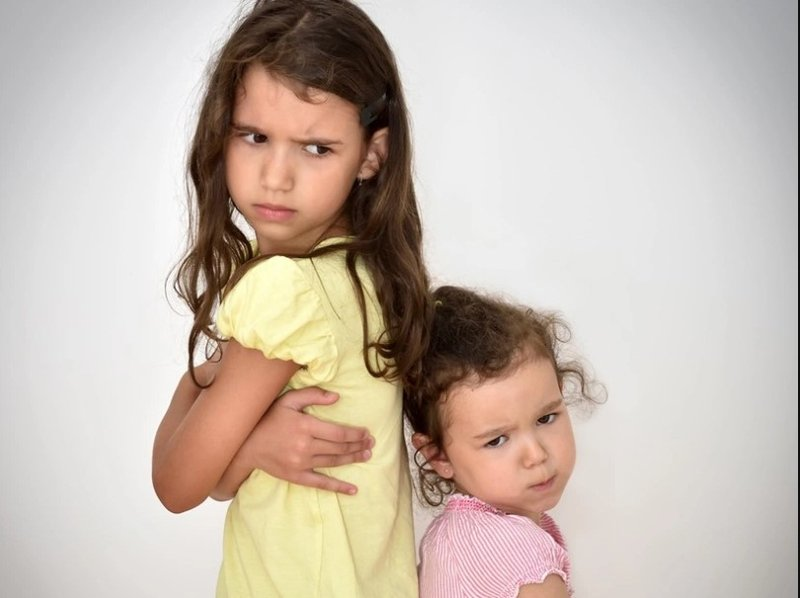 Jarak Usia Anak Jauh, Ini Tips untuk Orangtua 3.jpg