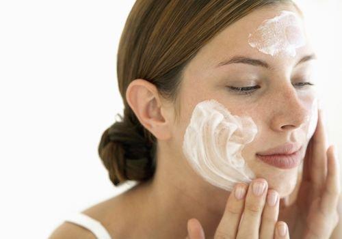 Jenis Sunscreen yang Tepat untuk Kulit Acne Prone-3.jpg