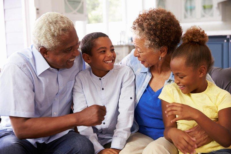 Kakek-Nenek Sering Manjakan Cucu, Ini Dampaknya-2.jpg