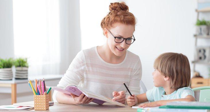 Kapan Anak Boleh Dibantu Bikin PR, dan Kapan Tidak Boleh Dibantu 2.jpg