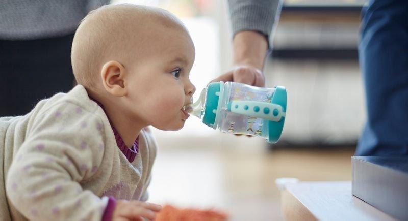 Kapan Bayi Boleh Diberi Air Mineral -2.jpg