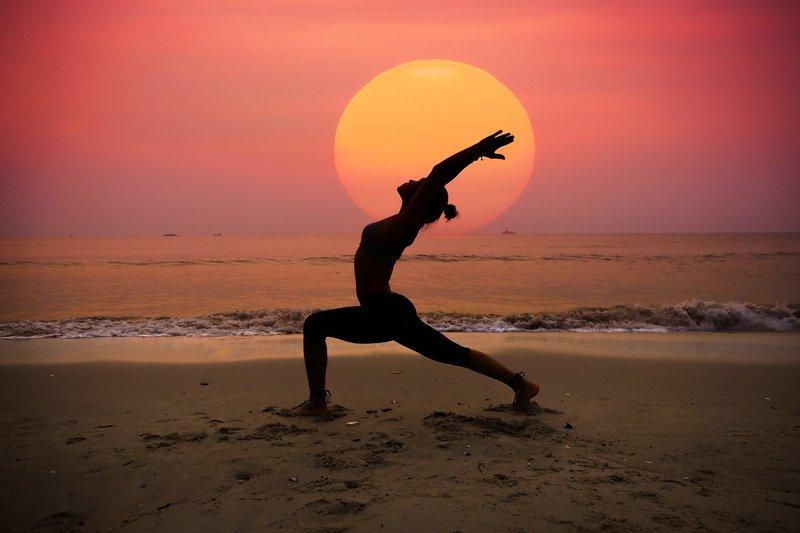 Kebiasaan Ini Cocok Untuk Menenangkan Pikiran dan Relaksasi Saraf 03 yoga  freepik com.jpg