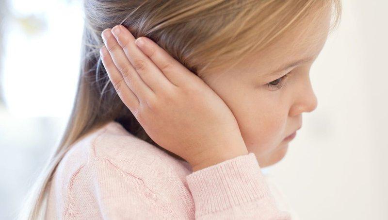 cara mengatasi sakit telinga pada anak