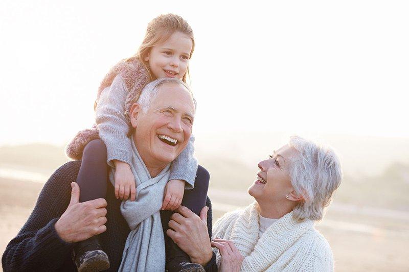 Kenali 5 Tipe Perilaku Kakek-Nenek pada Cucunya-2.jpg