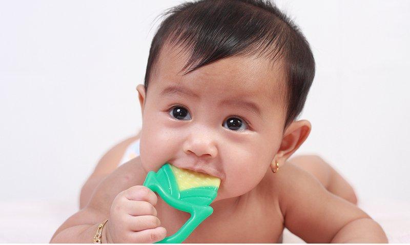 Kenapa Bayi Belum Juga Tumbuh Gigi 3
