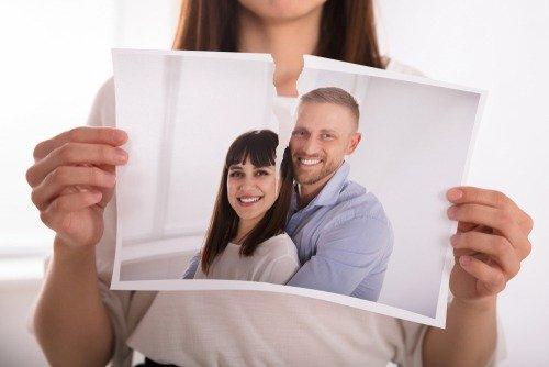 Arti Mimpi Ketemu Mantan Istri Pasangan Menghubungi Kembali, Haruskah Khawatir 2.jpg