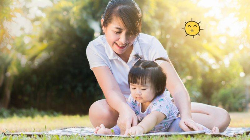 Keuntungan Sering Mengajak Bayi Bermain di Luar, Moms Perlu Tahu!.jpg