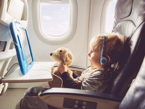 Kid-Plane_GettyImages-588493599.jpg