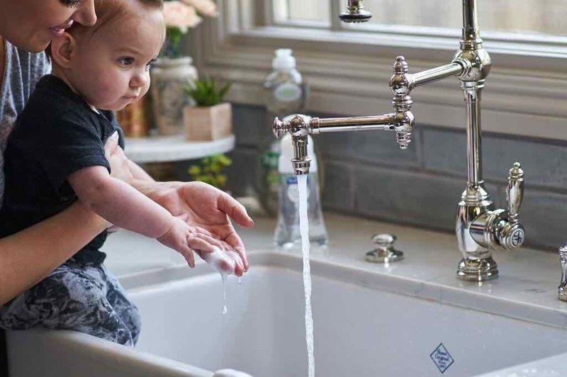 Lakukan 4 Cara Ini untuk Mencegah Tifus pada Bayi -2.jpg