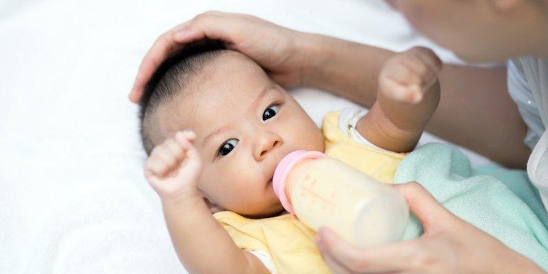 Lakukan 4 Hal Ini Saat Bayi Menolak MPASI 01.jpg