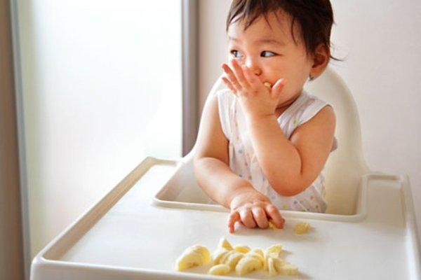 Lakukan 4 Hal Ini Saat Bayi Menolak MPASI 03.jpg