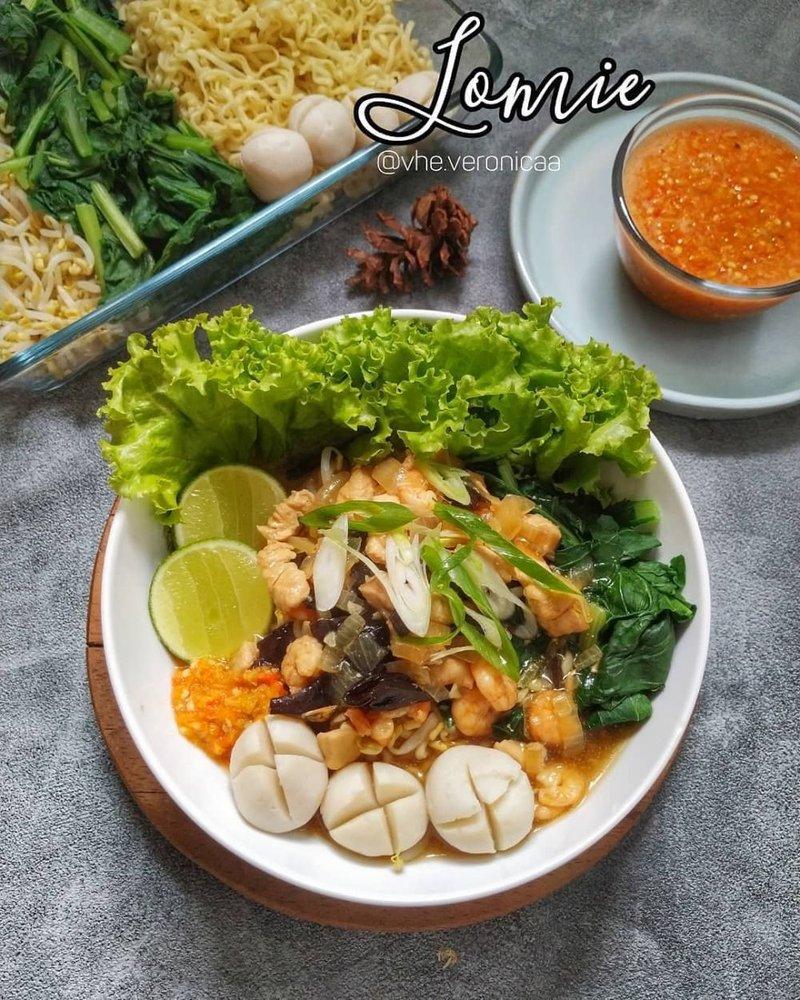 Lomie Seafood.jpg