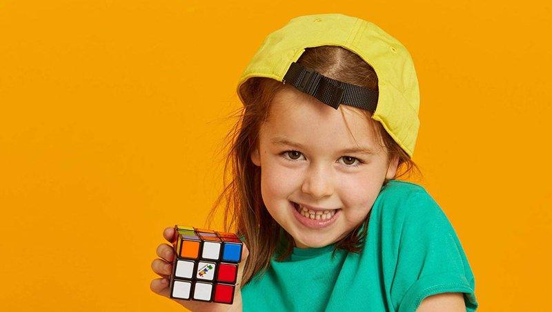 Luar Biasa! 4 Manfaat Bermain Rubik Bagi Anak 2.jpg