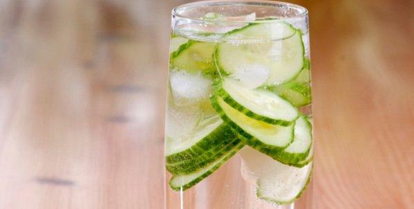 Manfaat Infused Water Timun untuk Kesehatan