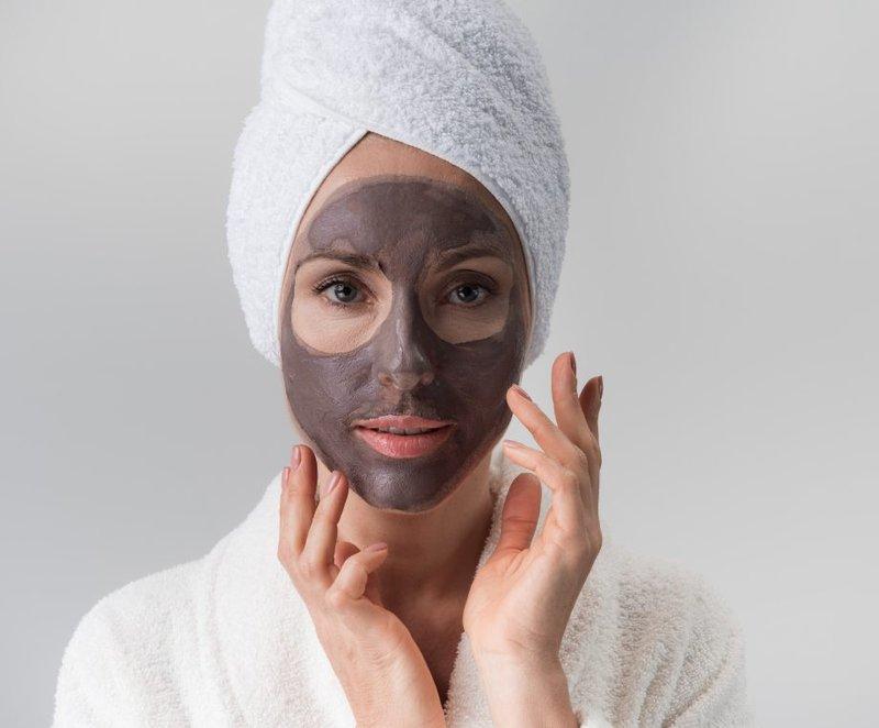 Rutin Memakai Masker Wajah.jpg