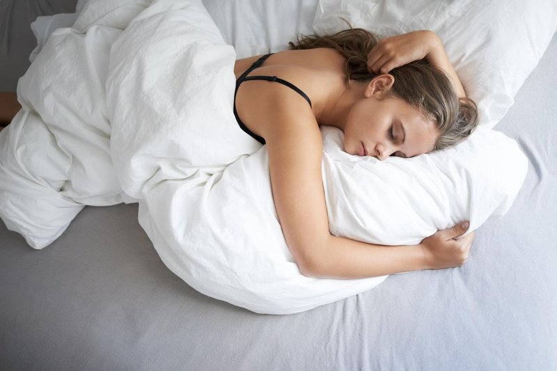 Manfaat Tidur Tanpa Bra-2.jpg