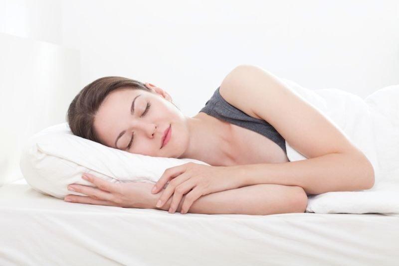 Manfaat Tidur Tanpa Bra-4.jpg