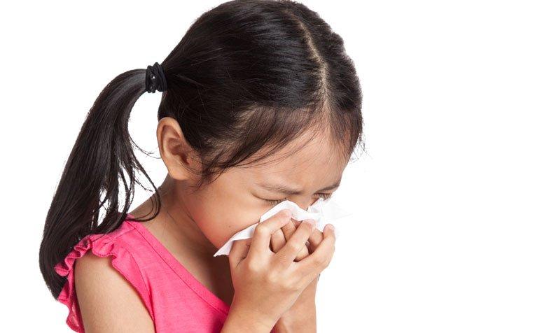 Manfaat madu untuk anak - meredakan batuk.jpg