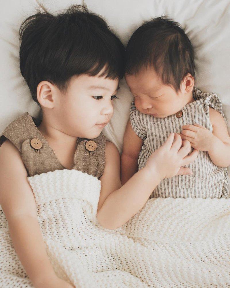 Manisnya Photoshoot Keluarga Putri Titian dan Junior Liem setelah Kelahiran Iago 3.jpg