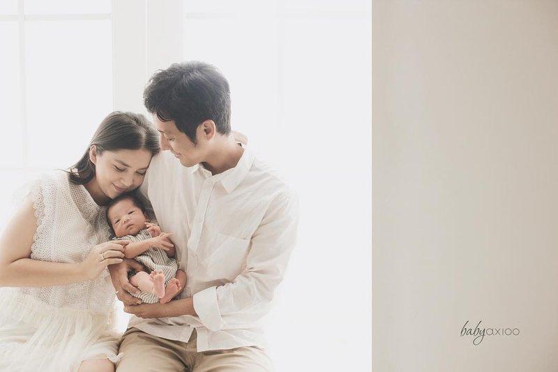 Manisnya Photoshoot Keluarga Putri Titian dan Junior Liem setelah Kelahiran Iago 2.jpg