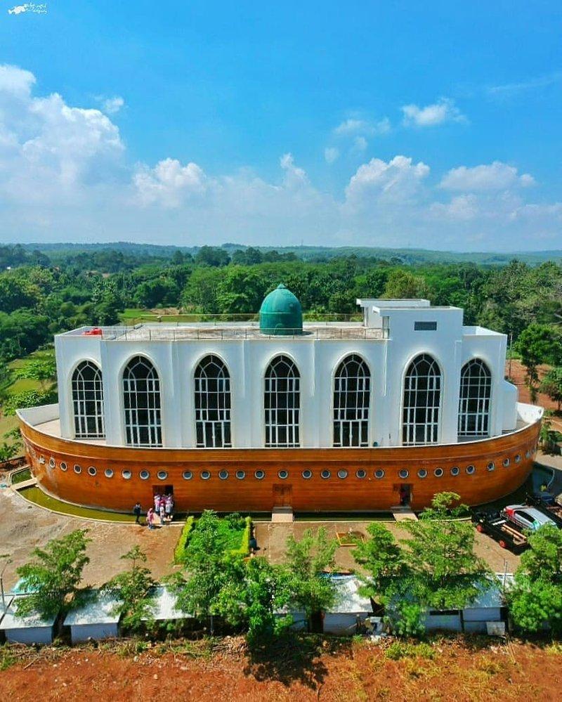 Masjid Kapal Semarang.jpg