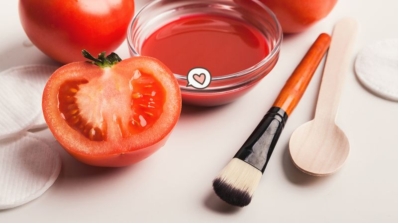 22 Manfaat Tomat Untuk Wajah Dan Kesehatan Luar Biasa Orami