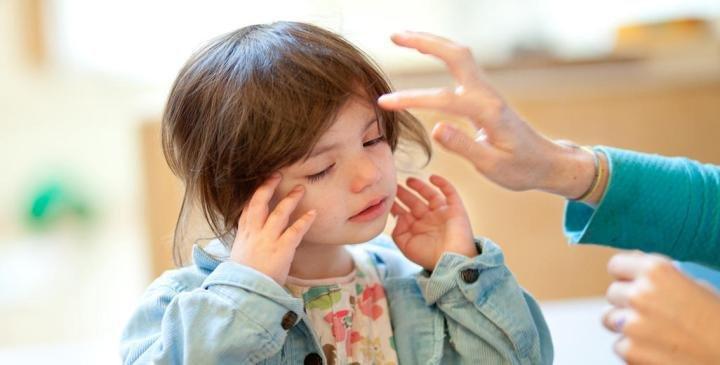 cara mengatasi konjungtivitis pada anak