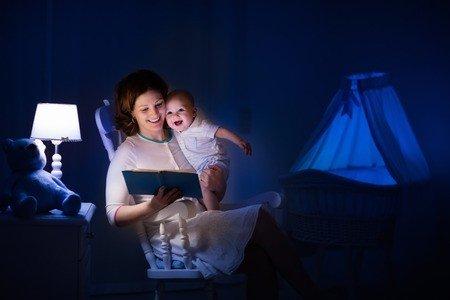 Membacakan Buku Pada Newborn Ternyata Banyak Manfaatnya -3.jpg