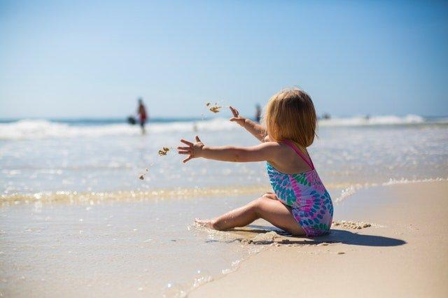 Memilih Sunscreen Terbaik bagi Anak dan Balita