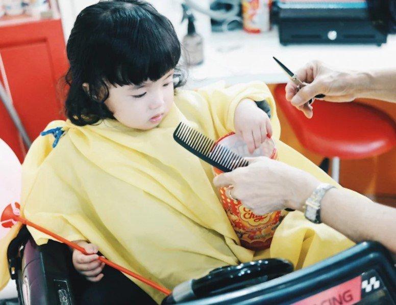 Mempercantik Diri, Ini Perawatan di Salon yang Bisa Dilakukan Bersama Putri Moms 01.jpg
