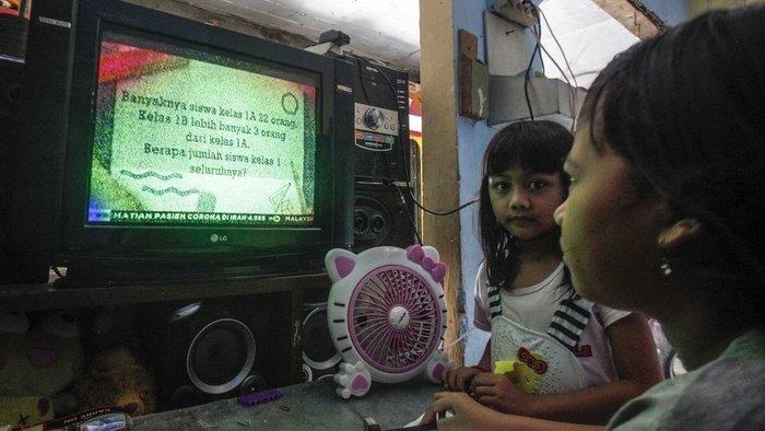 Mendikbud Adakan Program Belajar dari Rumah di TVRI Nasional, Berikut Faktanya.jpg