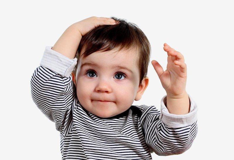 Mengapa Bayi Suka Membenturkan Kepala Sendiri -1.jpg