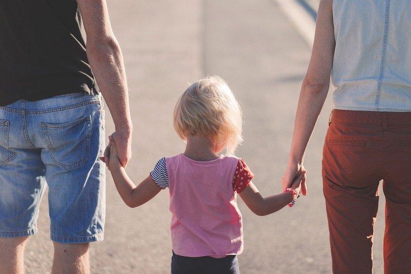 Mengatasi ODD dengan Memperbaiki Hubungan Orang Tua dan Balita.jpg