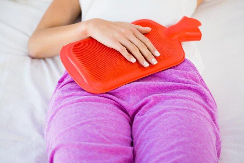 Mengatasi Sakit Perut Menstruasi - hangatkan perut.jpg