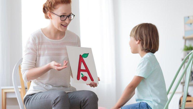 mengajarkan anak bahasa asing