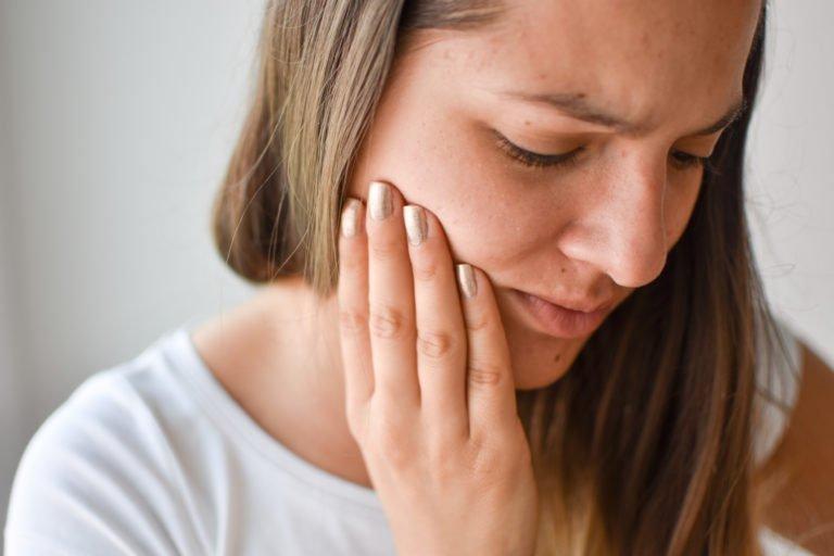 Mengenal Botox Perawatan yang Mengurangi Kerutan Pada Wajah - efek samping suntik botox.jpg