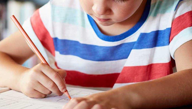 Mengintip Makna Psikologis Di Balik Warna Yang Digunakan Anak Saat Menggambar 8.jpg