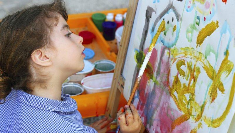 Mengintip Makna Psikologis Di Balik Warna Yang Digunakan Anak Saat Menggambar 7.jpg
