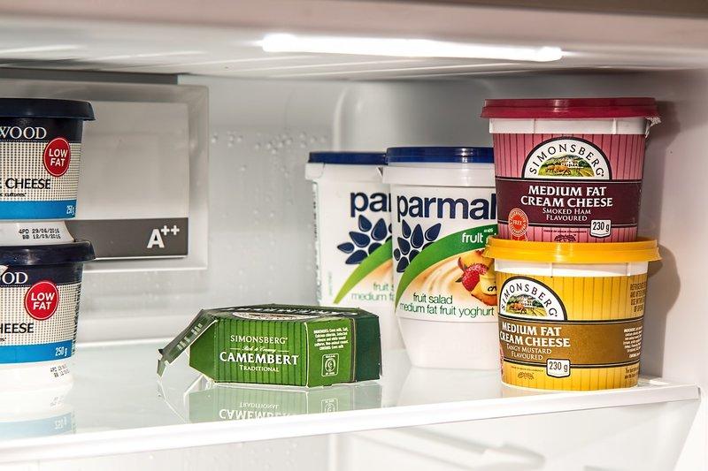 Menyimpan bahan dan sisa makanan di kulkas, keracunan makanan pada anak.jpg