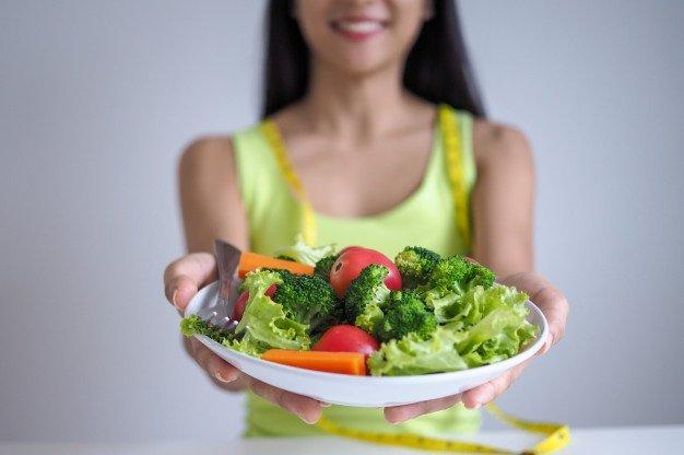 untuk mengatasi migrain, moms harus jaga pola makan