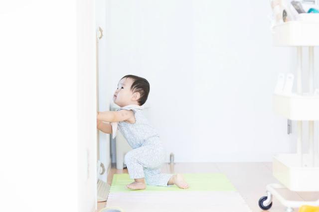 Mitos atau Fakta, Berjalan di Rumput Bantu Anak Cepat Jalan 4.png